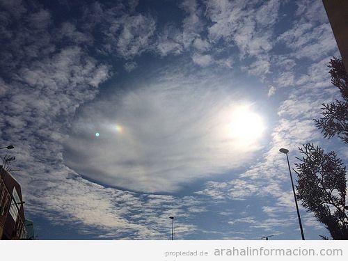 AionSur 16598547751_409a81141e Agujero en la nube, fenómeno atmosférico inusual, captado en el cielo desde Arahal Medio Ambiente Agujero en la nube