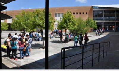 AionSur DSC_0123-400x240 Amplia repercusión en la convocatoria de huelga de estudiantes en los IES de Arahal Educación