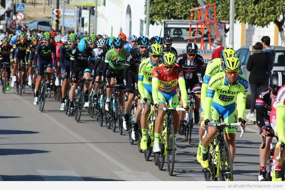 AionSur VUELTA-BARRIETE Unos minutos de Vuelta a Andalucía por Arahal Ciclismo Deportes