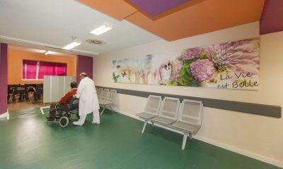 AionSur sala-de-espera-1-400x240 El Hospital de Rehabilitación y Traumatología del Virgen del Rocío estrena una sala de espera para los pacientes que precisen trasladado en ambulancia Salud