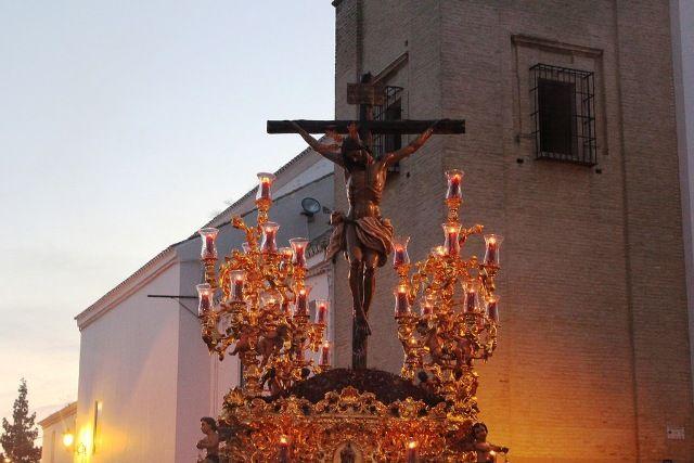 AionSur 16417679974_8980595c47_b Estampas de Viernes Santo, de luz y devoción por las calles de Arahal Cultura Semana Santa