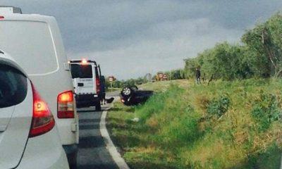 AionSur CCphvAMW8AEHBP5-400x240 Nuevo accidente de tráfico sin heridos en la carretera Morón Arahal Sucesos