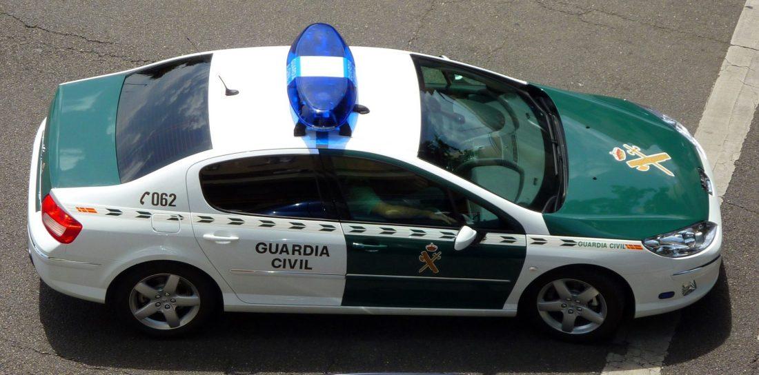 AionSur coche-guardia Detenida una mujer en Utrera por anunciar a un exnovio en una página de contactos Provincia