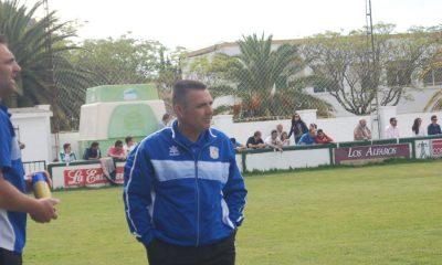 """AionSur DSC_0949-400x240 """"Rarra"""" seguirá al frente del banquillo arahalense la próxima temporada Deportes Fútbol"""