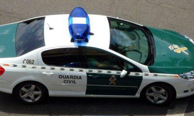 AionSur coche-guardia-400x240 Detenido un hombre en Utrera tras sustraer en una boda el material del fotógrafo Provincia