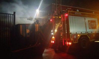 AionSur IMG-20150702-WA0018-400x240 Incendio en un contenedor de reciclaje junto a la empresa Arasol Sucesos  Incendio en contenedor