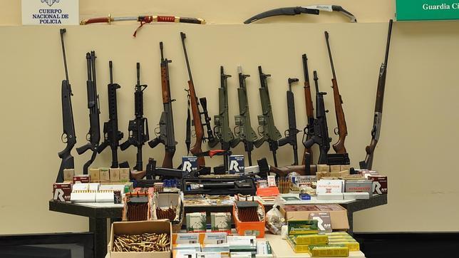 AionSur arsenal-intervenido Incautan marihuana y un arsenal de 17 armas a un clan familiar de una finca de Morón Moron Provincia