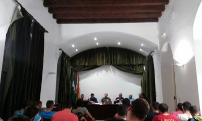 AionSur reunion-futbito-400x240 14 equipos en Primera y otros 14 en Segunda competirán en la próxima Liga Local de Fútbol Sala Deportes Fútbol Sala Sin categoría