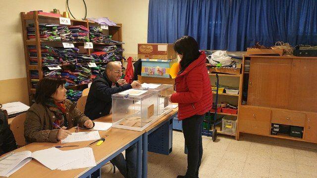 AionSur 23256983764_975e184eaf_b En Arahal, el PSOE obtiene casi la mitad de los votos y Podemos se convierte en la tercera fuerza política desbancando a IU Análisis