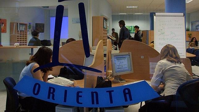 AionSur orienta-2 Cerca de 2,2 millones de euros para poner en marcha 26 unidades de Orientación en Sevilla Formación y Empleo