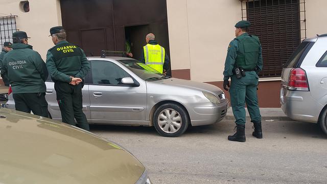 """AionSur 25155662182_e80e7dbf67_z 4 vecinos de Marchena fueron detenidos en la operación del Parque """"Châteaudun"""" contra el tráfico de estupefacientes Sucesos"""