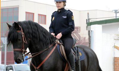 AionSur SI-030-400x240 Policía Nacional, pionera en España en la incorporación de personal femenino hace casi 40 años Sin categoría