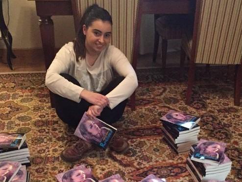 AionSur ngela_Bonilla-11 La joven Ángela Bonilla, con tan solo 16 años, presenta su tercer libro Cultura Provincia