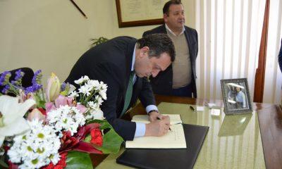 AionSur Firma-en-el-Libro-de-Honor-400x240 La Roda de Andalucía se convierte en el primer municipio de Andalucía que reconoce oficialmente el Genocidio Armenio La Roda de Andalucía Provincia