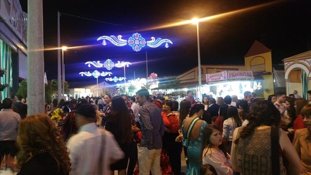 AionSur: Noticias de Sevilla, sus Comarcas y Andalucía 20160504_221520 Varias atracciones sufren actos vandálicos esta madrugada en la Feria de Paradas Sucesos