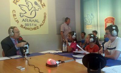 AionSur radiopaz-400x240 Radio Paz celebra su programa 700 con el presidente del Parlamento andaluz Educación