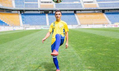 AionSur alvaro_garcia_rp_presentacion-400x240 El atacante utrerano Álvaro García ficha por el Cádiz Deportes Fútbol Utrera