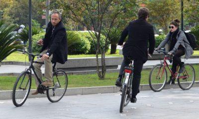 """AionSur 02altrabajoenbici-400x240 """"Es mejor regalar bicis que patinetes"""" Sociedad"""