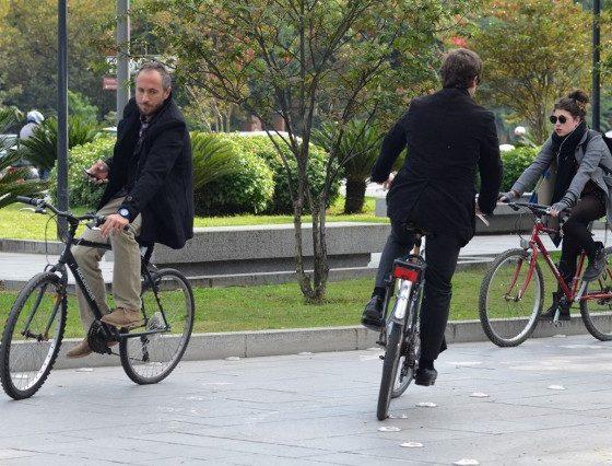 """AionSur 02altrabajoenbici-560x426 """"Es mejor regalar bicis que patinetes"""" Sociedad"""