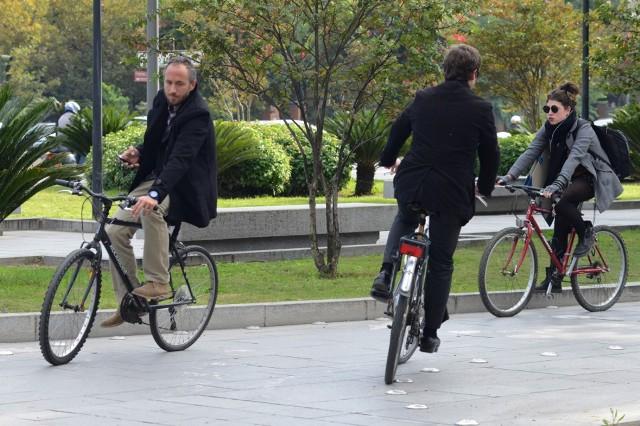"""AionSur 02altrabajoenbici """"Es mejor regalar bicis que patinetes"""" Sociedad"""