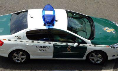 AionSur guardia-coche-400x240 Detenidas dos personas por un robo con violencia Provincia Utrera