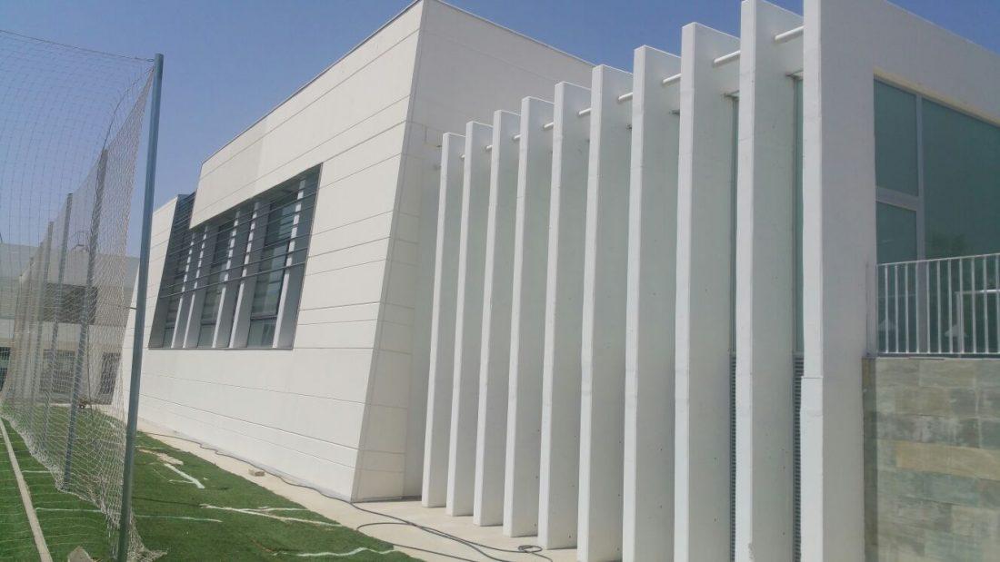 La piscina cubierta est preparada para su apertura a for Piscina cubierta alcorcon