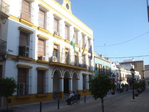 AionSur 55216855 En Coria piden a Emsasea un estudio por el fuerte olor a carburante que hay en el municipio Provincia