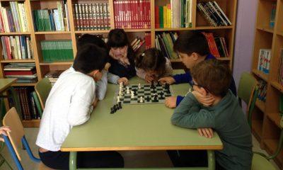 AionSur IMG_3834-400x240 El ajedrez llega a dos colegios de Arahal Educación