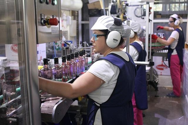 AionSur Puerto-Indias_1 Puerto de Indias ya se vende más que las ginebras de fresa de Beefeater y Larios Carmona Empresas