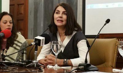 """AionSur 30747969002_c324b61f65_z-400x240 La actriz Ana Fernández dice que la crítica es """"la única forma de crecer en este país"""" Paradas Provincia  Ana Fernández"""
