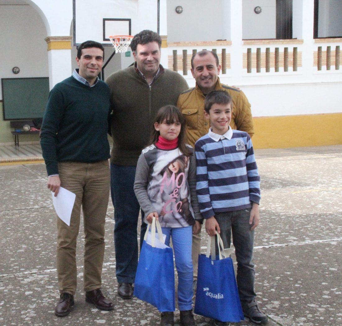 AionSur Entrega-premios-concurso-infantil-Aqualia-2016 Dos alumnos del colegio Los Grupos de Morón de la Frontera ganan el Certamen Internacional de Dibujo de Aqualia Provincia