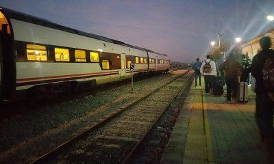 AionSur 24641723981_9d93e66517_z-400x240 Una plataforma ciudadana de Arahal pide a ADIF que aumente las paradas de los trenes regionales Asociaciones Sociedad
