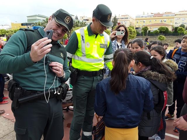 AionSur 20170323_104640 La Guardia Civil de Sevilla se acerca a la población infantil con charlas y exhibiciones de sus unidades Marchena Provincia