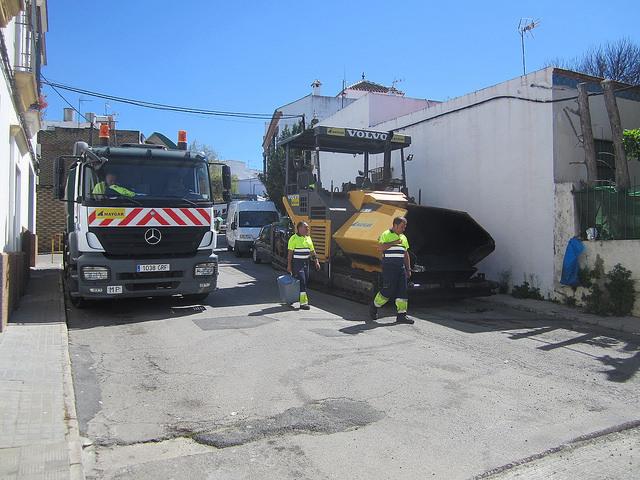 AionSur 33606411801_520b67c021_z Carmona inicia un plan para construir y renovar 77 pasos de peatones Carmona Provincia