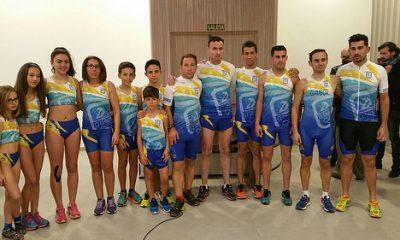 AionSur 33639111516_c140d1e47e-400x240 Presentada la nueva equipación del CD Ohmio Arahal Atletismo Deportes