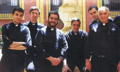 """AionSur 19403430_10212372986815493_748146549_o-400x240 El Arzobispo pide a Francisco Duarte y los nuevos sacerdotes """"que sean todo para los más sencillos"""" Marchena"""