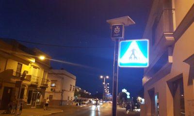 AionSur 20170612_222057-400x240 Seguridad Ciudadana ilumina los principales pasos de cebra con balizas y señales verticales Arahal