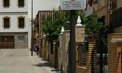 AionSur 441b52fb-ef28-4169-87ff-b3b9e92201da-400x240 Los vecinos de la calle Este deciden no aparcar en su vía salvo para carga, descarga y emergencias Arahal