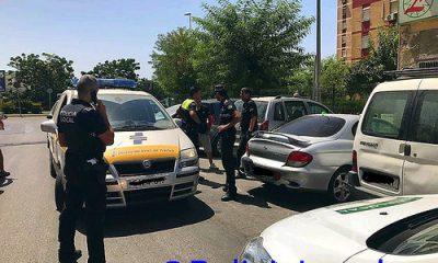 AionSur 36473110391_470d97ec3e-400x240 Los vecinos de Castilleja impiden, junto a la Policía, que un hombre ebrio conduzca su coche Sucesos