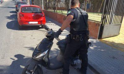 AionSur Actuación-PL-ciclomotores-robados-13-8-2017-400x240 Detenido en Castilleja un conductor que triplicaba la tasa de alcoholemia en un ciclomotor robado Sucesos