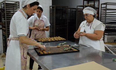 AionSur 30085465724_a9d2202034_z-400x240 Susana Díaz visita el viernes Estepa para apoyar al sector del mantecado Estepa