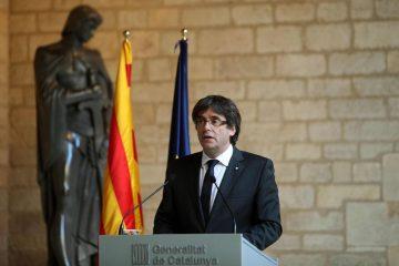 AionSur Puigdemont_2-360x240 Puigdemont traslada al Parlamento la responsabilidad de convocar elecciones Sociedad