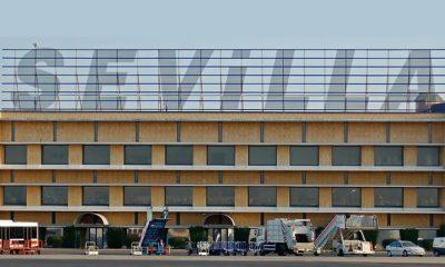 AionSur aeropuerto-400x240 Un guardia civil y una doctora salvan la vida a un pasajero en el aeropuerto de Sevilla Sucesos