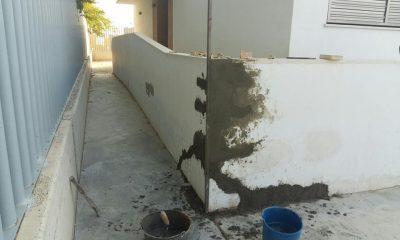 AionSur grieta-400x240 El Ayuntamiento de Paradas repara una grieta en el colegio Miguel Rueda Paradas