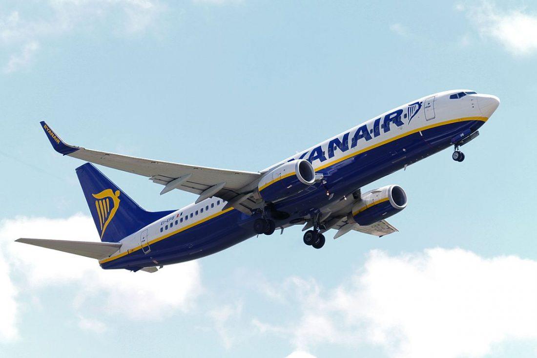 AionSur ryanair2 Sevilla pugna por un foro que decidirá los destinos de las líneas aéreas de bajo coste Sociedad