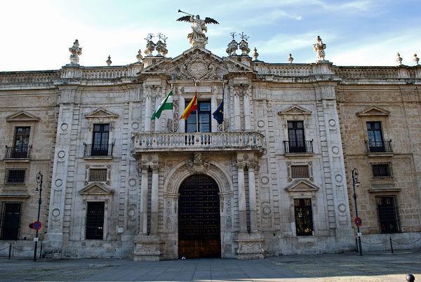 AionSur universidad La Universidad de Sevilla aumenta sus becas un 54,44 % Educación