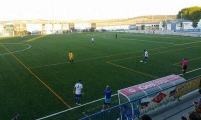 AionSur: Noticias de Sevilla, sus Comarcas y Andalucía 38209432301_cd4423fdb6-400x240 El Arahal se deja tres puntos antes del derbi Deportes Fútbol