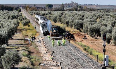 AionSur: Noticias de Sevilla, sus Comarcas y Andalucía Tren-accidente-400x240 Las 37 víctimas del descarrilamiento de Arahal tendrán que pasar una prueba forense Arahal Sucesos  destacado