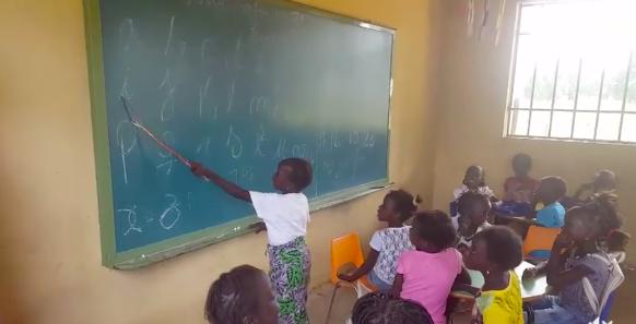 AionSur escuela-guinea La ONCE dota de material a una escuela creada por periodistas en Guinea-Bissau Sociedad