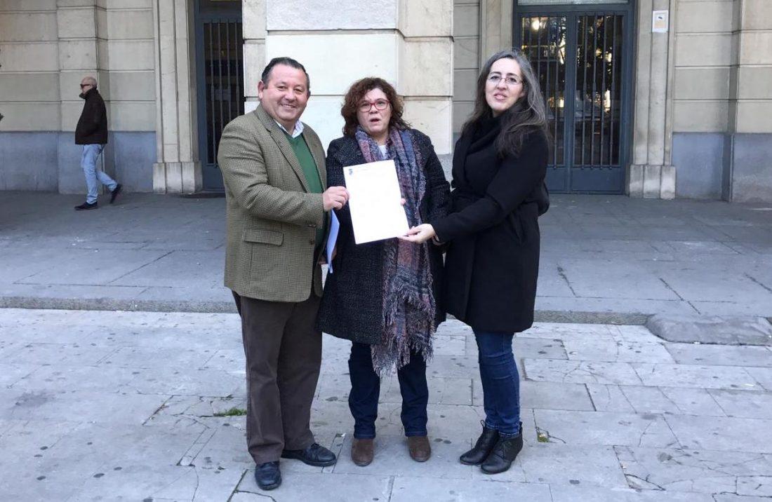 AionSur: Noticias de Sevilla, sus Comarcas y Andalucía la-roda-alcalde El alcalde de La Roda pide a la Fiscalía que encarcele a Rajoy por varios delitos e incumplimientos La Roda de Andalucía